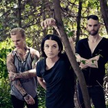 Placebo libera un video al día