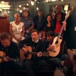 Blur hace una versión acústica de Tender con Jimmy Fallon
