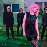 "Garbage lanza ""Strange Little Birds"" en junio"