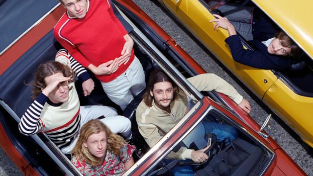 DAFT PUNK apadrina a PARCELS una banda australiana