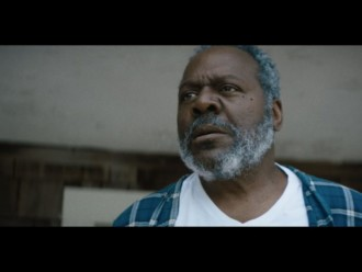 "Mira el nuevo video de The War on Drugs para ""Holding On"""