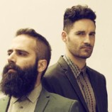 "Capital Cities apuesta una carta conocida con ""Summer Swimming Pool""?"